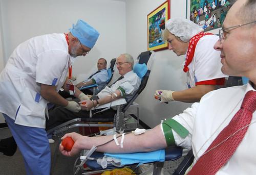 Перевірятимуть кров у Центрі СНІДу