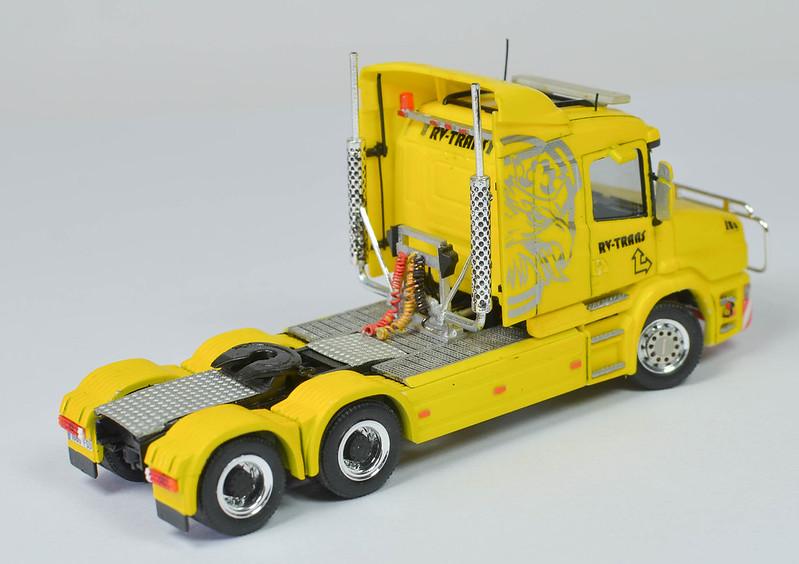 Camiones, transportes especiales y grúas de Darthrraul 31715892264_33e6e04b29_c