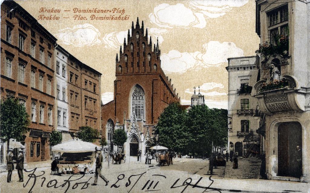 Eglise des Dominicains sur la place Wszystkich Swietych (Place Toussaint) de Cracovie vers 1917.