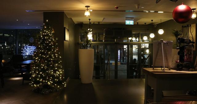 Mercure Hotel London Entrance