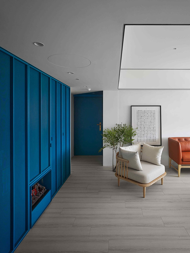 A colorful apartment by Waterfrom Design Sundeno_14