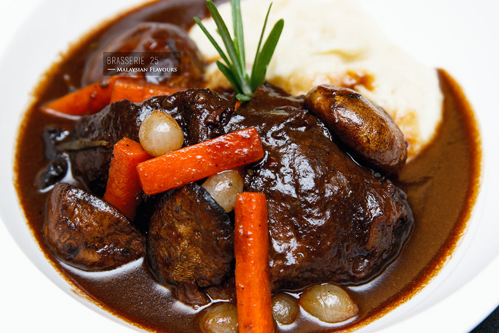 braised beef cheek in red wine