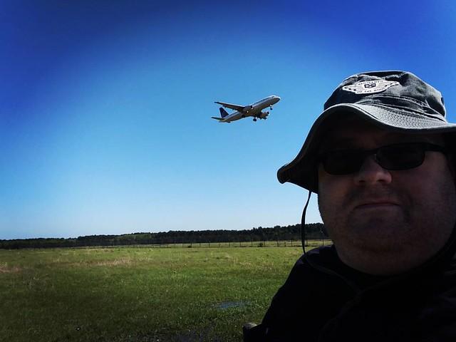 When I'm not out doing other uninteresting things... #Planespotting #IAH #ShamrockElvisOnTheMove
