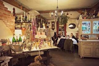 http://hojeconhecemos.blogspot.com.es/2015/12/zur-alte-kaisermuhle-viena-austria.html