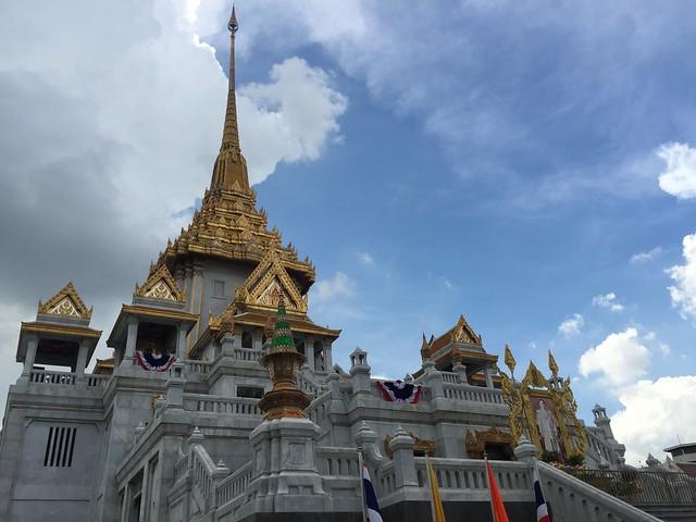 Wat Traimit (Bangkok)