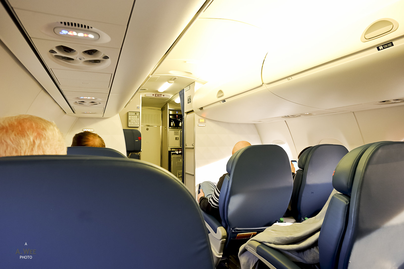 Embraer E175 Domestic First cabin