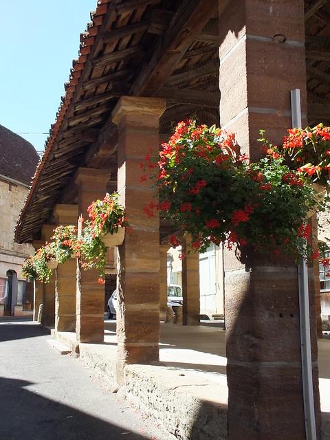 Lacapelle-Marival - La halle du XVe siècle