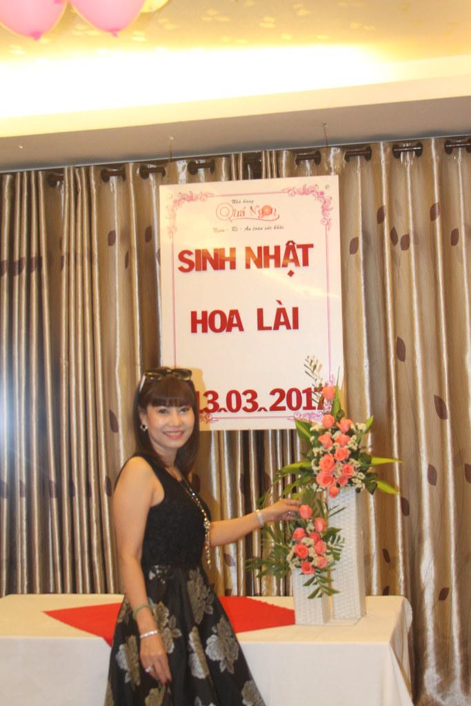 Tiệc mừng sinh nhật Hoa Lài