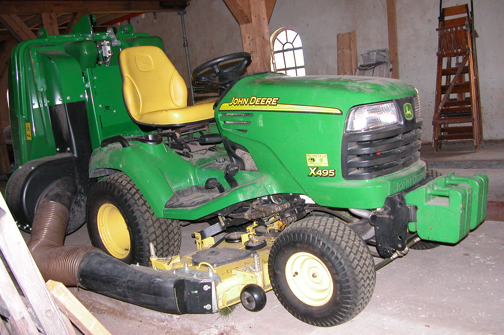 Fancy Lawnmower John Deere X495 Is This Allowed In The