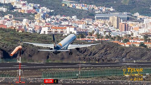 D-ABOK Chorros de propulsión del B-757-300
