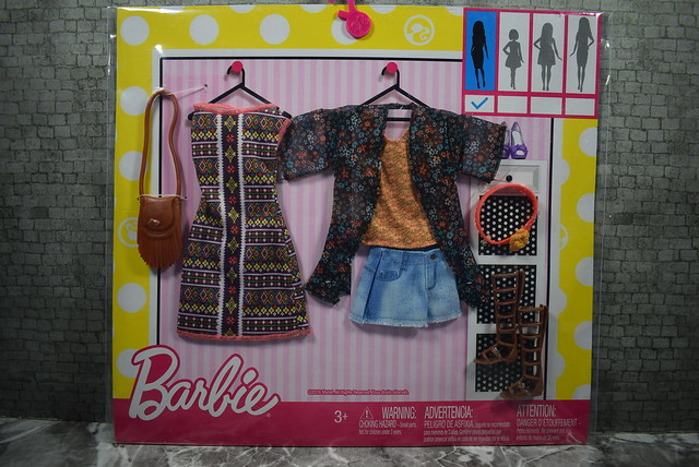 2016 Barbie Fashions 2 Pack Boho DWG40