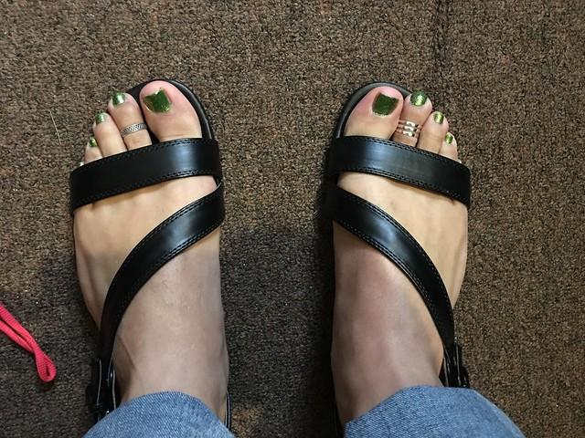 Awesome 21 Creative Guys Wearing Womens Sandals U2013 Playzoa.com