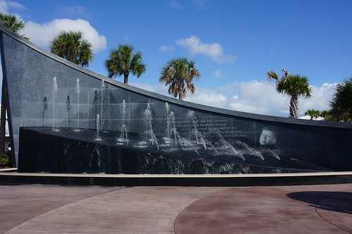 JFK Fountain at the Kennedy Space Center Visitor Complex | by Disney, Indiana