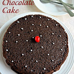 Eggless chocolate cake in pressure cooker