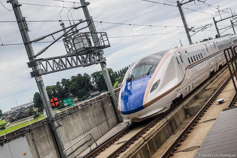 Hokuriku-Shinkansen-3