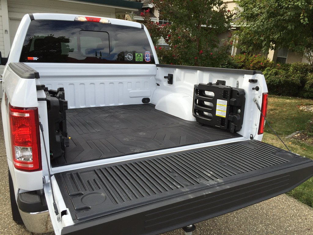 Ford bed extender bed mat and tailgate protector