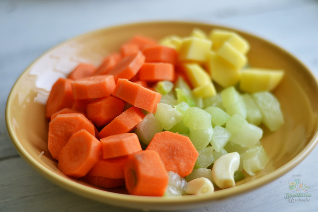 supa crema de morcovi si dovlecel