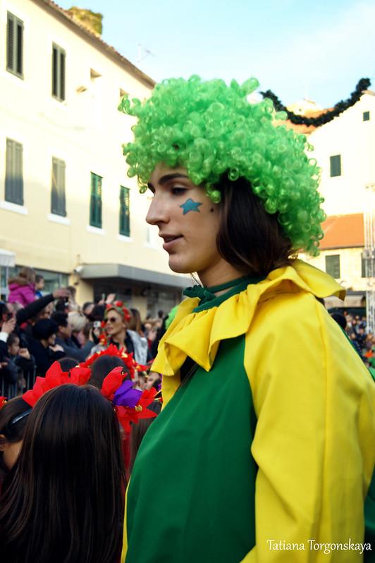 Клоунесса на празднике