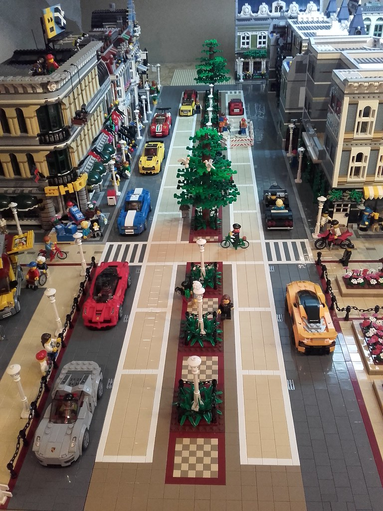 Lego Speed Champions Vs Modulars Scale Lego Town