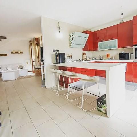 Tinteggiatura Cucina, colore bianco. Www.mulfarimbianchino… | Flickr