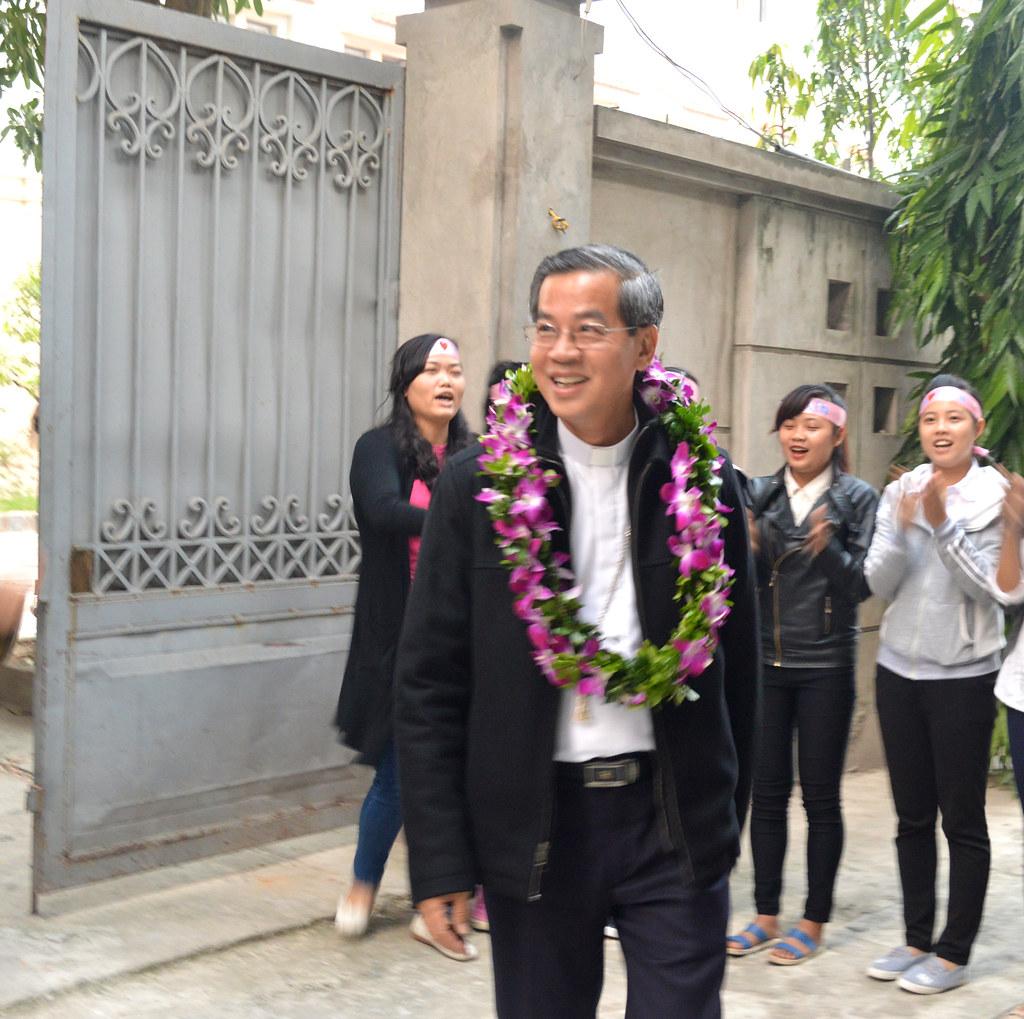 Sinh viên Công giáo Phát Diệm tại Hà Nội gặp gỡ Đức Cha trong Mùa Vọng.