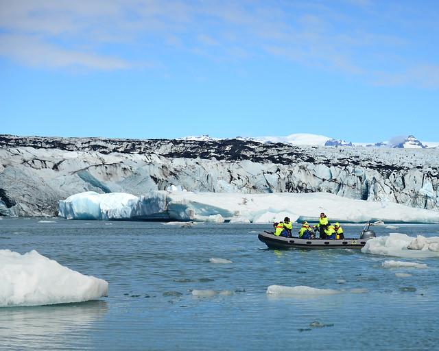 Excursión en zodiac por la laguna de Jökulsárlón