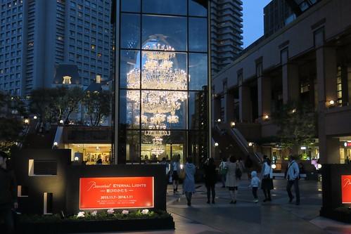恵比寿ガーデンプレイス クリスマスイルミネーションやバカラシャンデリア