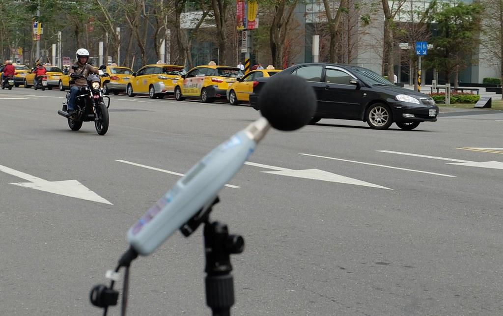 20160105 首創高噪車輛照相