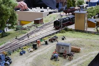 Bauwagen vor Dampflokomotive 50 1307
