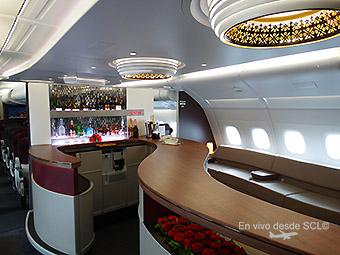 Qatar Airways A380 bar (RD)