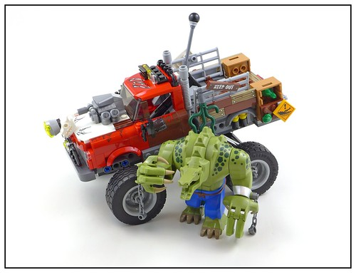 The LEGO Batman Movie 70907 Killer Croc Tail-Gator 21