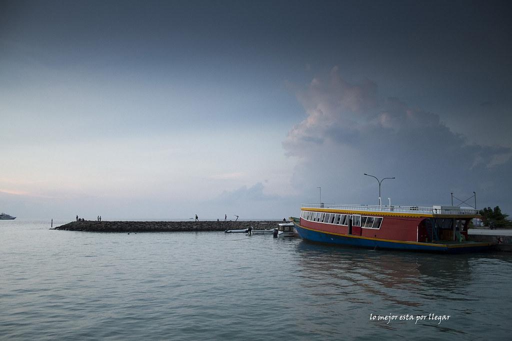 Ferry Público en Maafushi, Maldivas