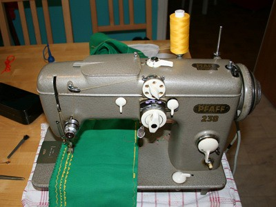 Before Pfaff 40 This Is The Baby I Bought From Ebay Fro Flickr Amazing Pfaff 230 Sewing Machine For Sale