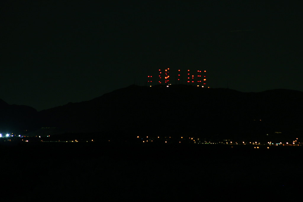South Mountain Lights | The towers over Ahwatukee | Flickr
