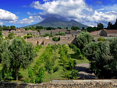 pompeii and vesuvius | by heavenuphere