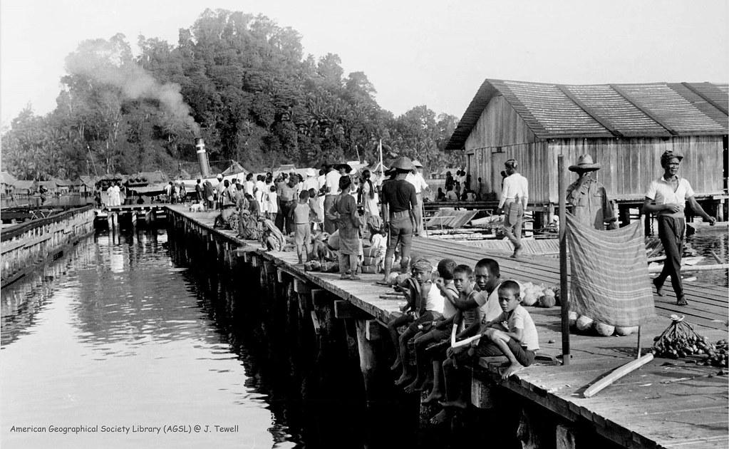 Holland And Holland >> Busy market at pier, Port Holland, Basilan Island, Philipp… | Flickr