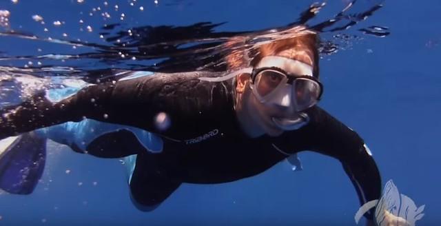 Sele haciendo snorkeling en Isla Reunión (Nado con delfines)