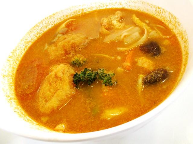 Tom yam seafood kway teow