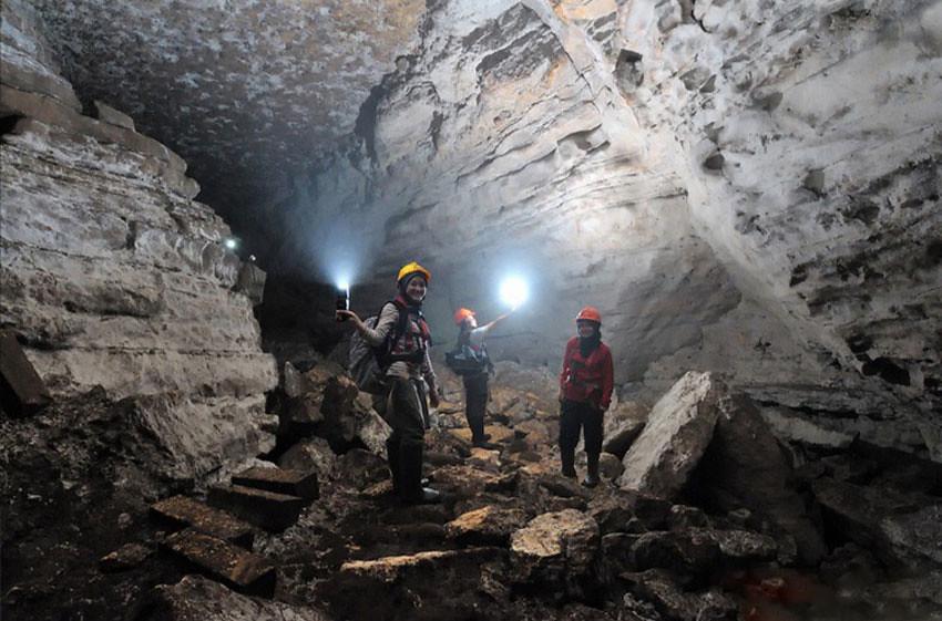 3-JomblangCave-tunnel-JetjepRusyandi