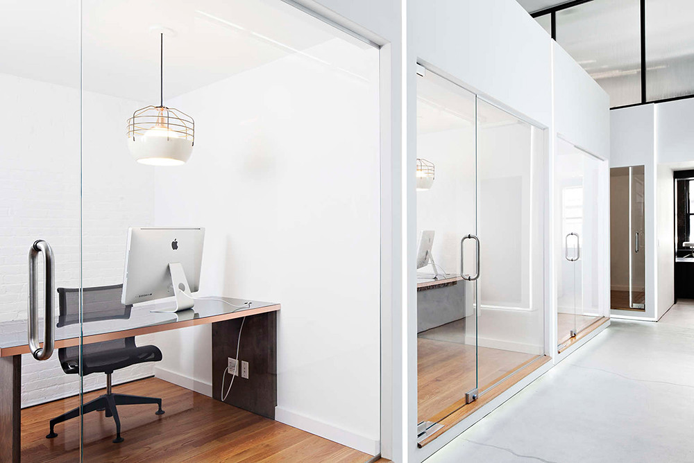 Office space design of the former firehouse in New York Sundeno_09