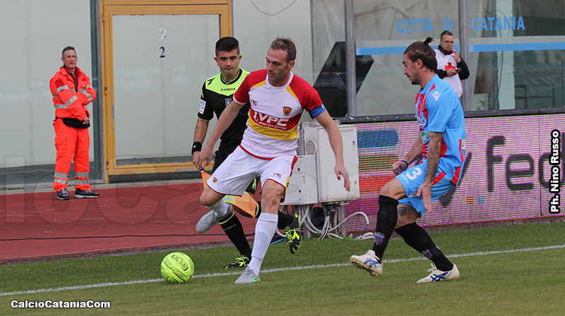 Un flash dell'ultimo Catania-Benevento
