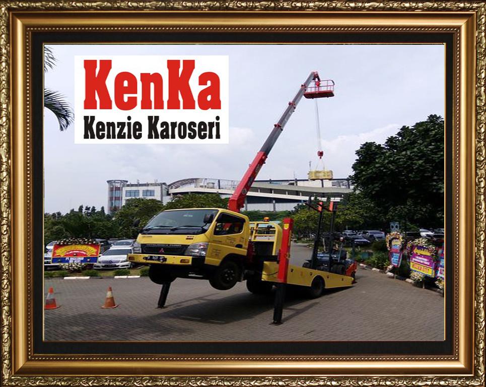 Karoseri Towing + Crane
