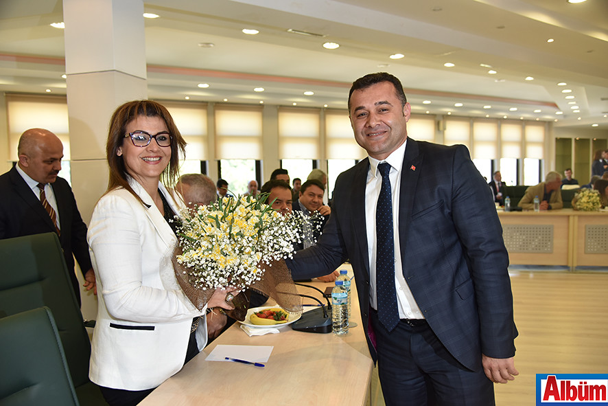 Alanya Belediye Başkanı kadınları kutladı2