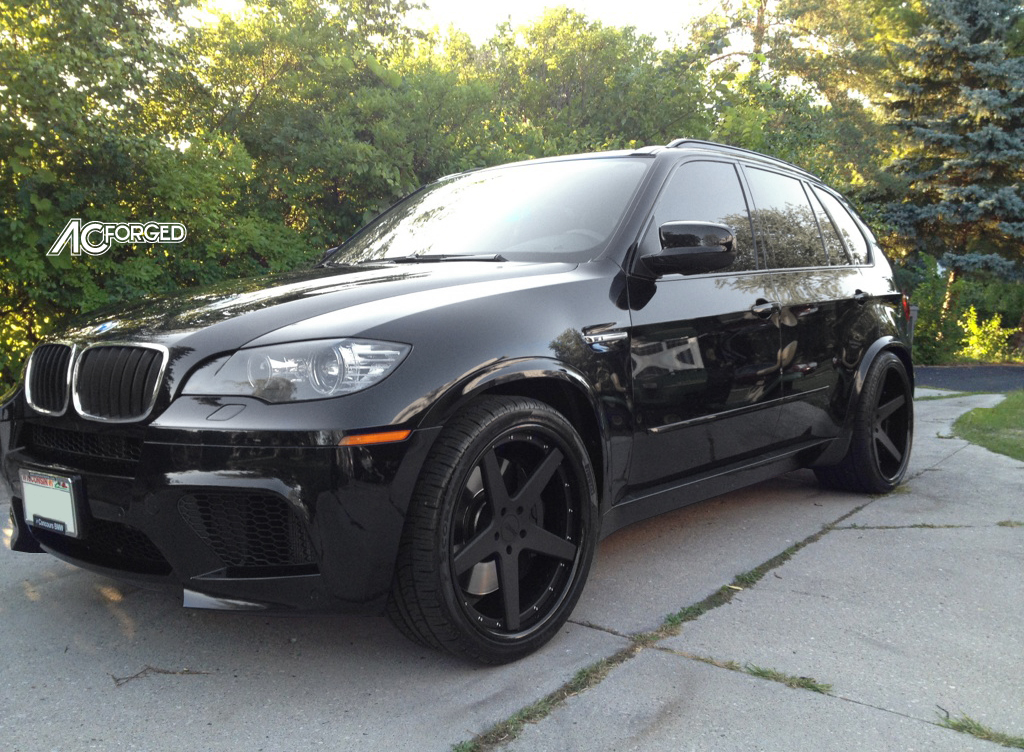 2012 BMW X5 ///M on 22\