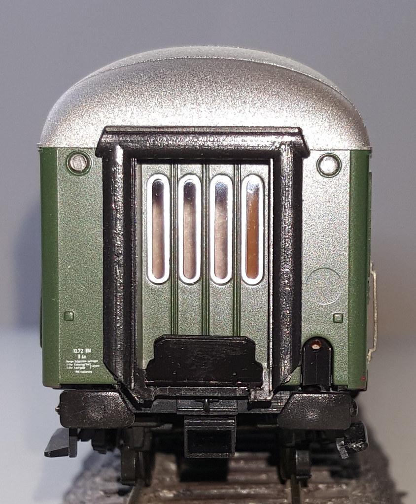 Kopfgestaltung Roco Halbspeisewagen BR4ymg