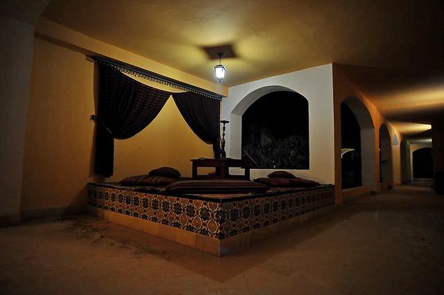 Nikon UD 20mm f/3.5……………..Tunisia,突尼斯 …………光與影-Douz