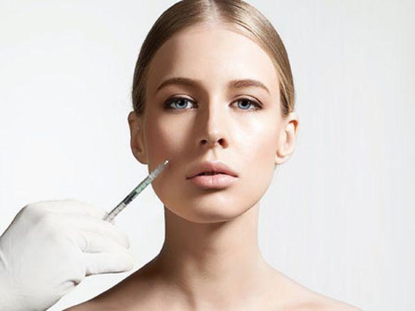 玻尿酸專治臉頰凹陷和除皺紋跟豐潤蘋果肌,玻尿酸做下巴雕塑會有精緻的臉蛋,玻尿酸消除淚溝、抬頭紋、皺眉紋、法令紋、木偶紋特別有效,也可解決嘴角下垂問題。