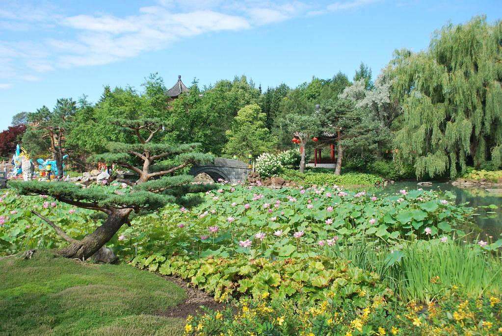 Jardin botanique de montr al botanical gardens jardin for Jardin botanique lanternes 2015