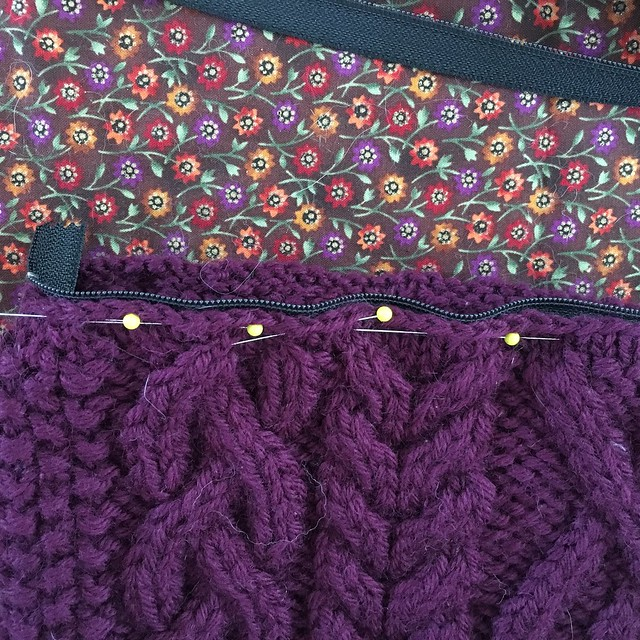 Sewing a zipper into a knit bag