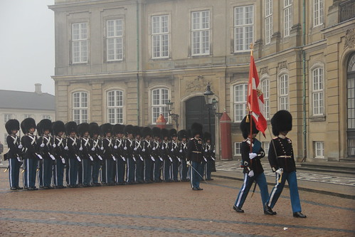 Changing of the guards, Amalienborg